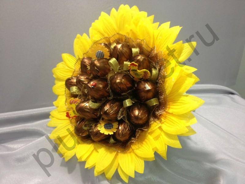 Букет подсолнухов из конфет